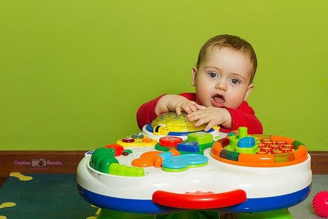 Ukentlige aktiviteter for barnets første leveår