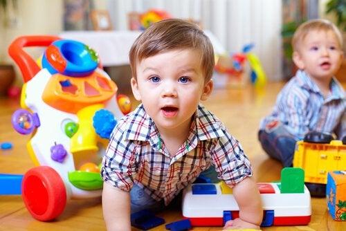 Hvordan utvikle babyers motoriske evner