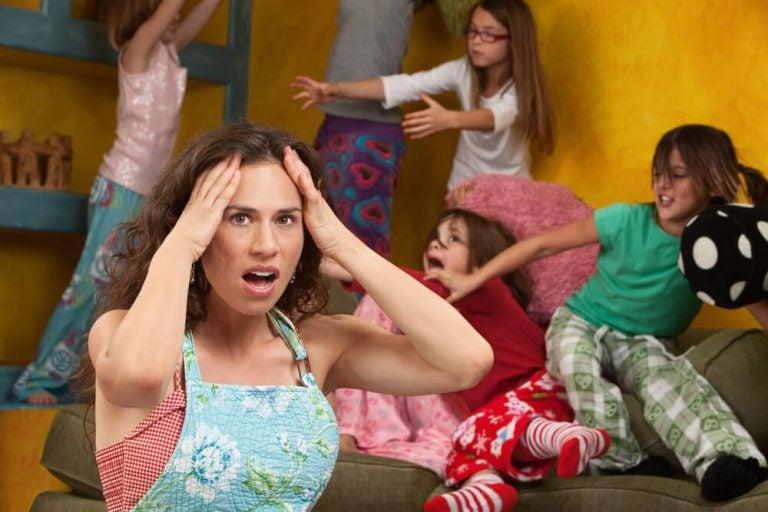 hvorfor oppfører barn seg verre med mamma