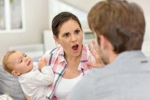 Å diskutere foran barna er en stor tabbe