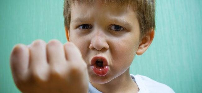 Hvordan håndtere et barn som biter og slår