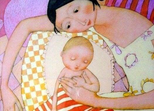 Mor holder baby løsrevet fra frykt