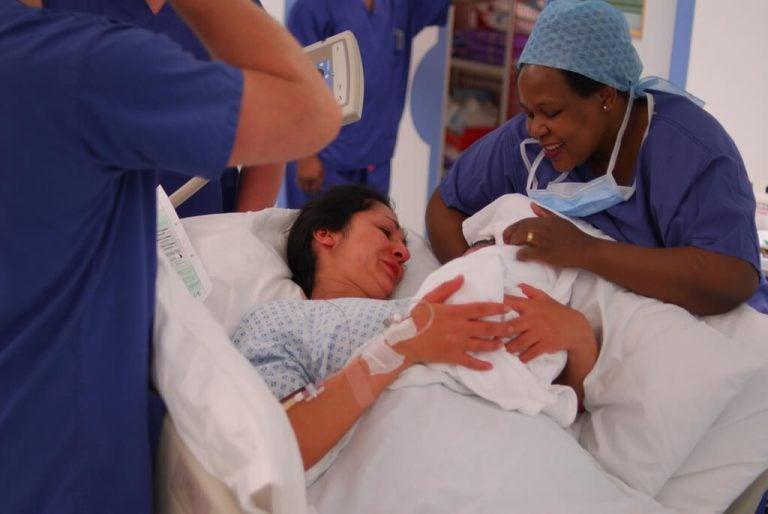 Hvordan opplever en baby fødsel?