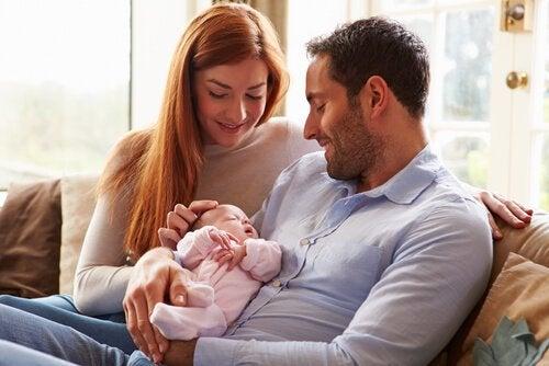 Barnets første måned: Alt du bør vite