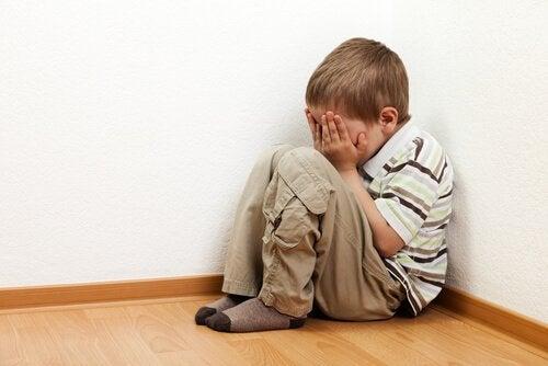 Forstå barns frykt for å være alene