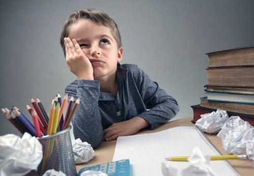 Hvordan hjelpe et hyperaktivt barn