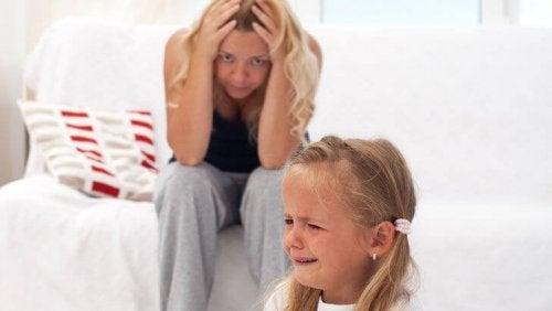 Oppfører barn seg verre rundt foreldrene?