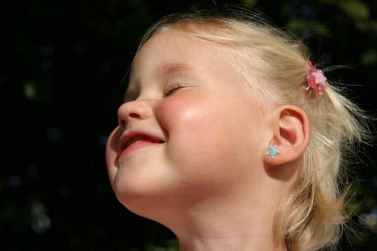 Å gi barn hull i ørene: Hvor lenge bør man vente?