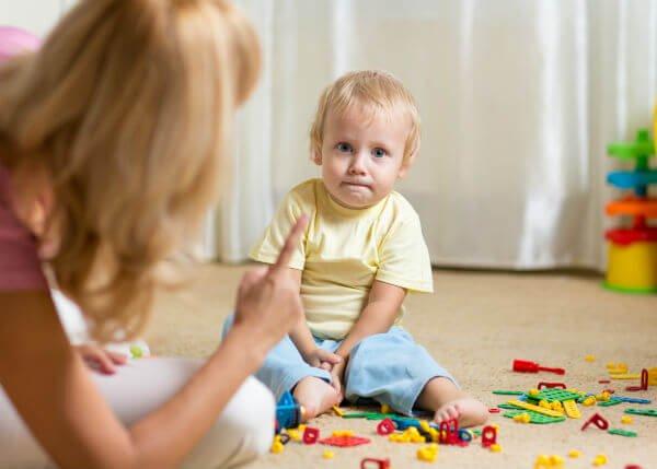Lær deg å si nei til barnet ditt på en positiv måte