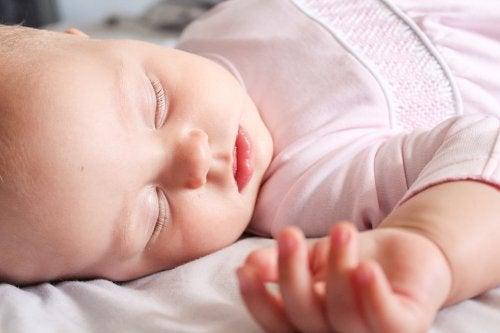 7 tips til å vaske babyklær