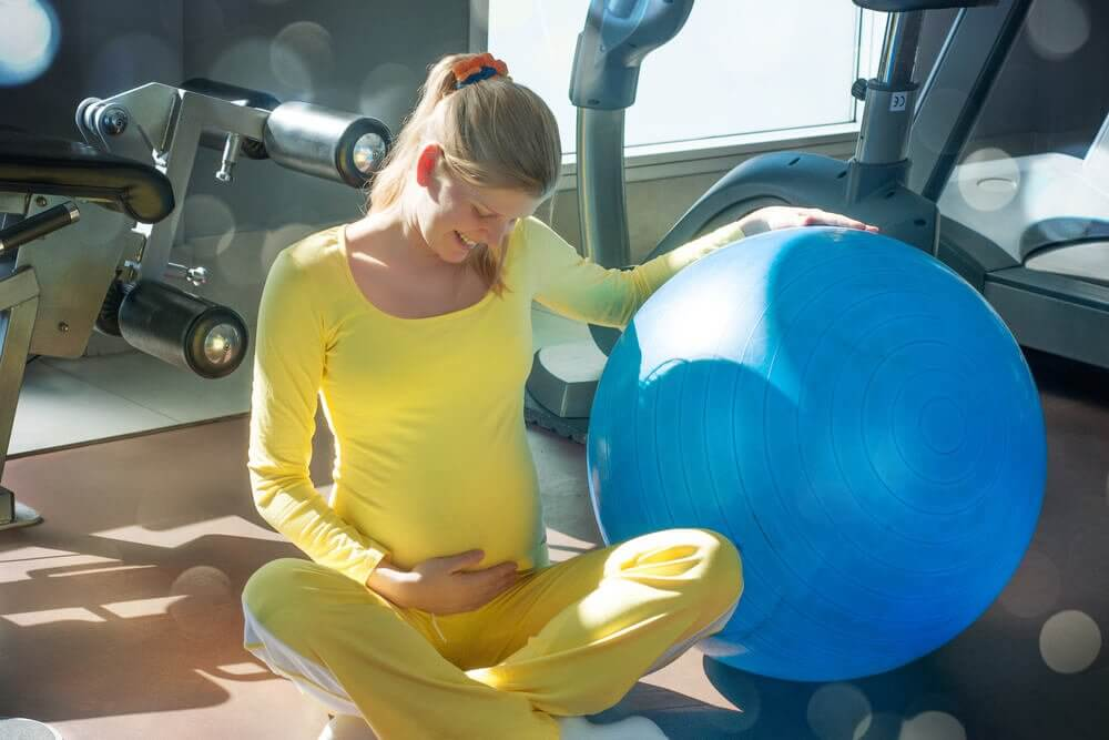 6 grunnleggende bekkenbunnsøvelser for gravide kvinner