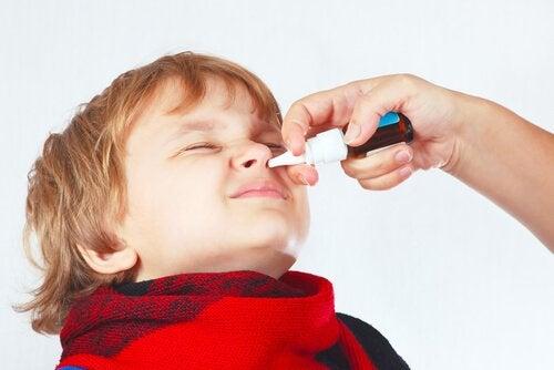 Å hanskes med tett nese hos barn