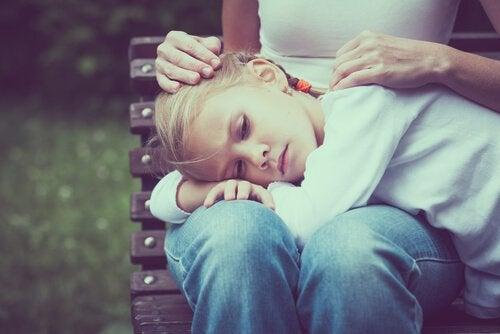 depresjon hos barn: Årsaker, forebygging og behandling