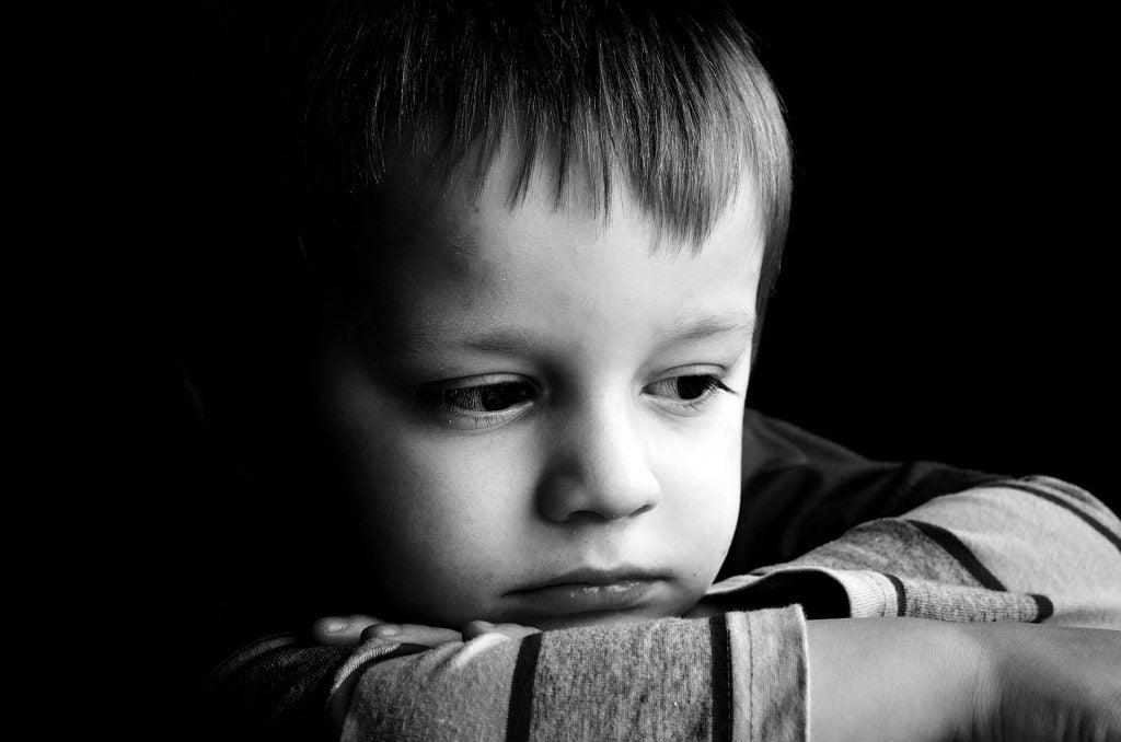 Kjennetegn på barn med desorganisert tilknytning