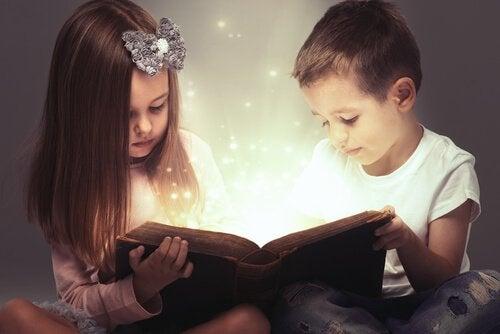 barn leser bok