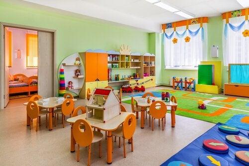 Hvordan organisere et klasserom etter Montessori-metoden