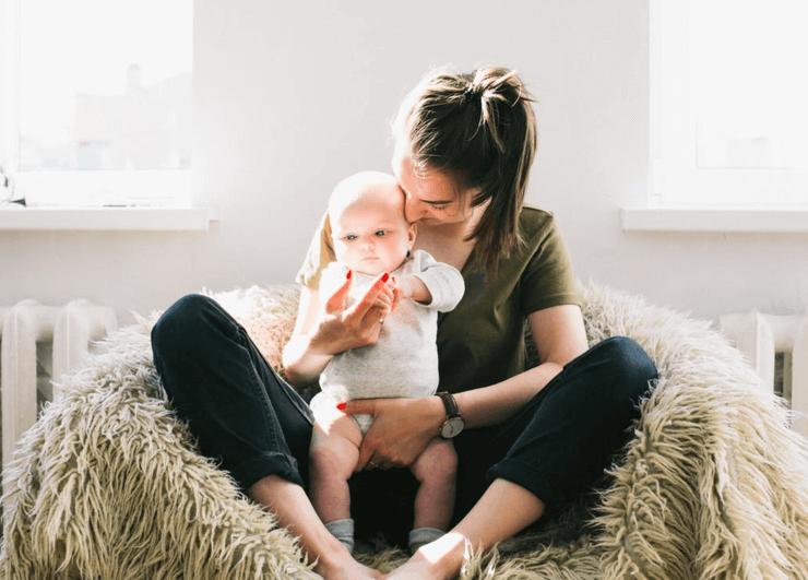 Hva du må gjøre hvis babyen din får melk i halsen