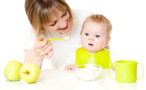 5 puréoppskrifter for babyer fra 12 måneder