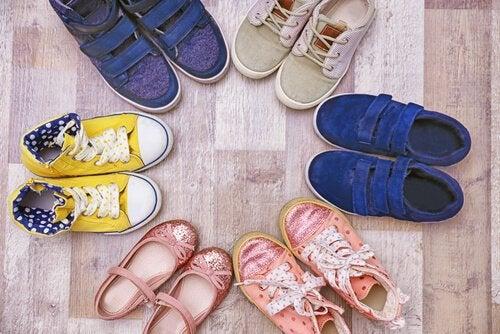 Velg ditt barns sko med omhu