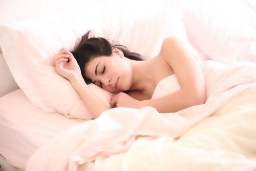 5 soveposisjoner for gravide kvinner