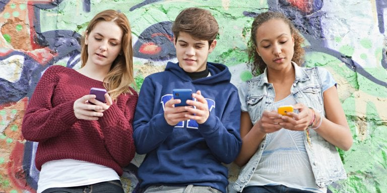 Alt du må vite om nomofobi hos tenåringer