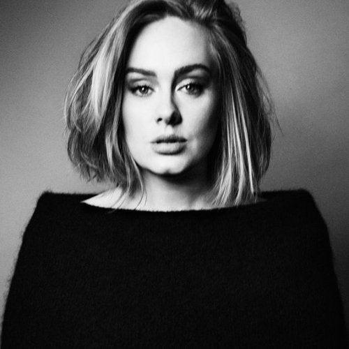 Adele deler sin erfaring med postnatal depresjon