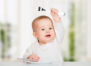 barn som spise uten at den setter noe i halsen