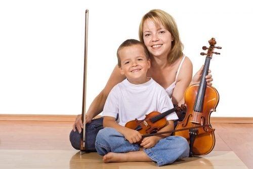 De mange fordelene med å lære å spille et instrument