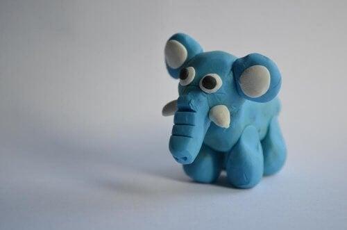 modelleire for barn, her en elefant