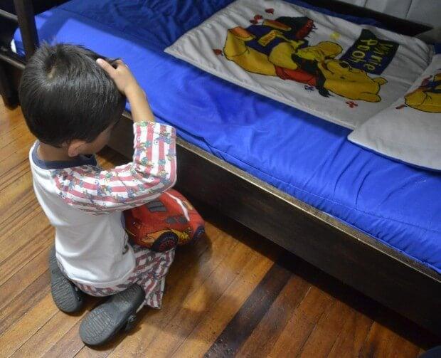 barn som tisser i sengen