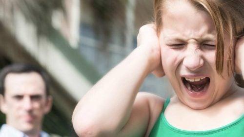 Barn med autisme bør ikke bombarderes av sanseinntrykk