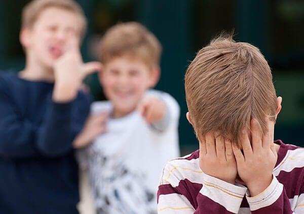 Hva kan du gjøre om barnet ditt blir ertet?