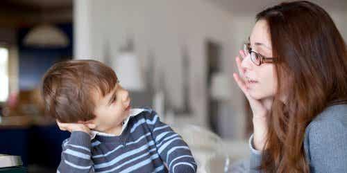 Tegn på språkforsinkelse hos barn før skolealder