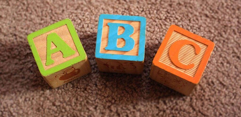 Hva påvirker språkutviklingen til barn?