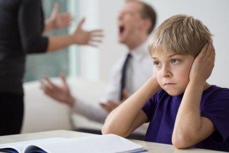 Foreldre burde krangle bort fra barna sine