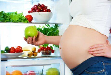 Kan visse matvarer påvirke fosterbevegelsene?