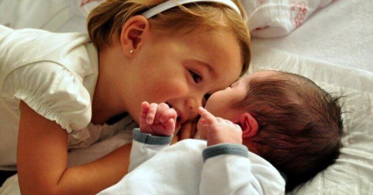 Hvordan forberede barna på ankomsten til en ny baby