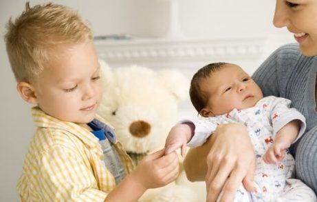 Hvordan forberede familien din på ankomst av en ny baby