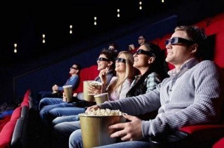 Å se på filmer kan hjelpe barna med å utvide sitt vokabular