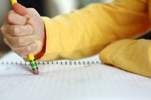 Når barn gjør mange stavefeil