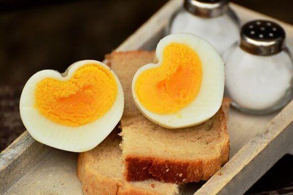 Når bør du legge til egg i barns kosthold?