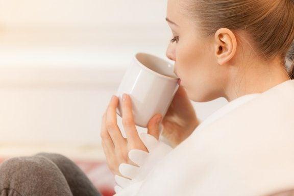 5 teer for ammende kvinner og deres helsefordeler