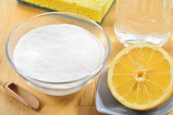 Flekkfjerning med bakepulver og sitron