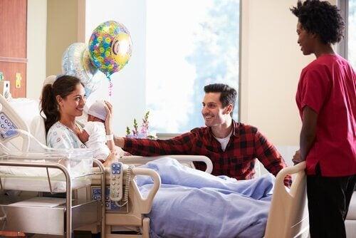 8 tips for å besøke en nyfødt på sykehuset