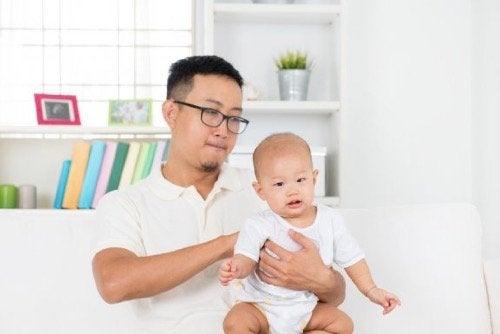 Gastroøsofageal refluks hos babyer