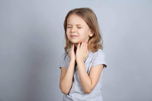 Anafylaksi hos barn: Årsaker, behandling og forebygging