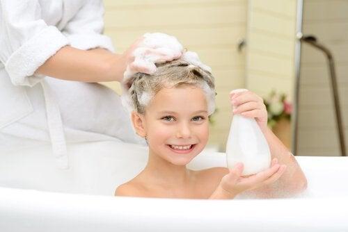 Et bad vil roe ned barnet