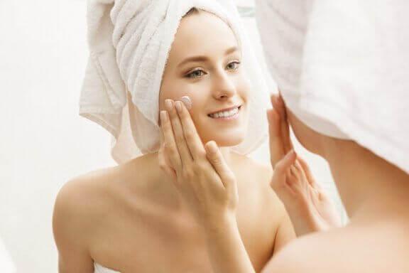 6 triks som holder huden fuktig og perfekt