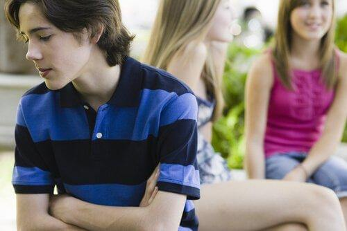 Å ha dårlig selvtillit i tenårene