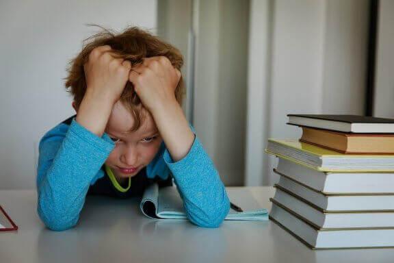 Stresset skolegutt